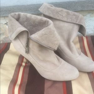 Coach beige Fold over ankle boot Sz 9